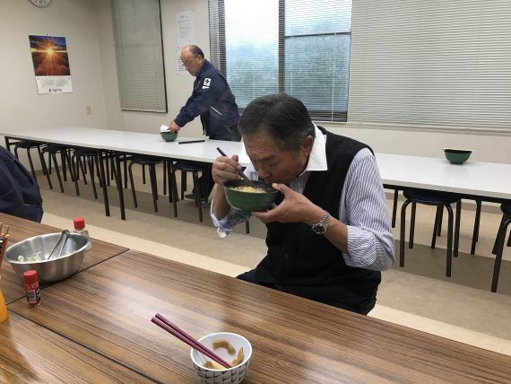 R1.10.19社長特製ラーメン (33)
